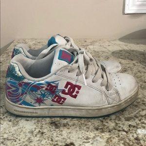 DC women sneaker size 6
